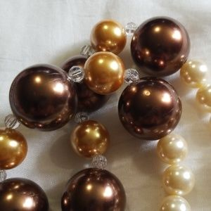 Beautiful bauble necklace